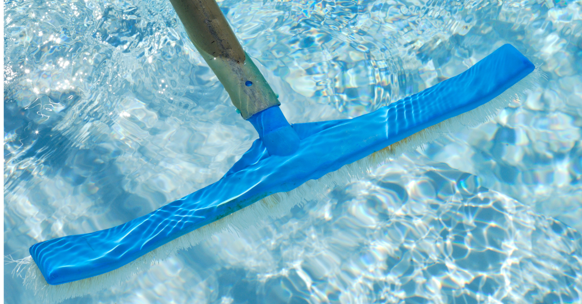 How to Choose the Best Pool Brush for Deep Cleaning and Stain Removal